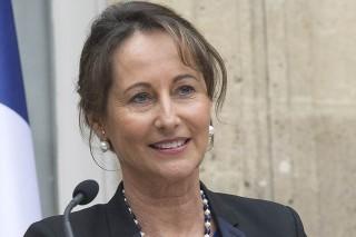 Бывшая жена Франсуа Олланд вернулась в большую политику