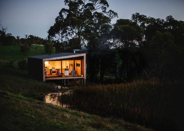 Автономный домик у озера