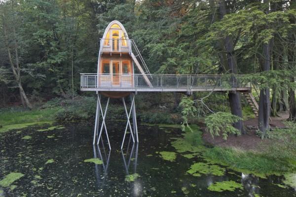 Дом на лесном пруду