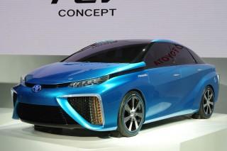 Водородный седан Toyota появится раньше обещанного
