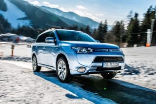 Mitsubishi подтвердила возможности Outlander PHEV