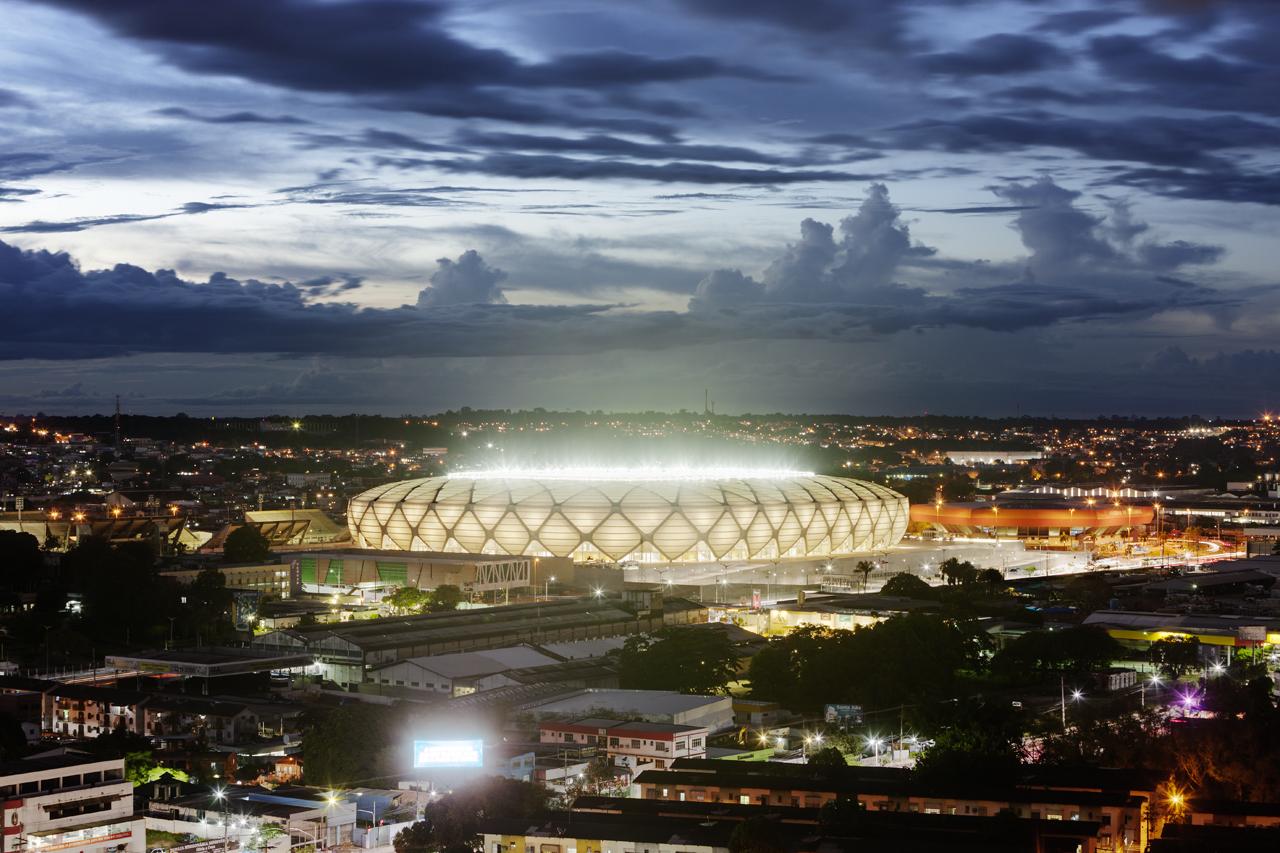http://zeleneet.com/media/2014/06/novaya_futbolnaya_arena_v_Brazilii_poluchit_sertifikat_LEED_3.jpg