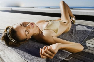 Солнечные ожоги наиболее опасны для молодежи