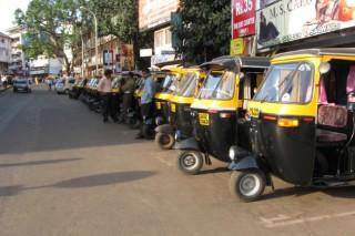 Индийский изобретатель создал моторикшу на солнечных батареях