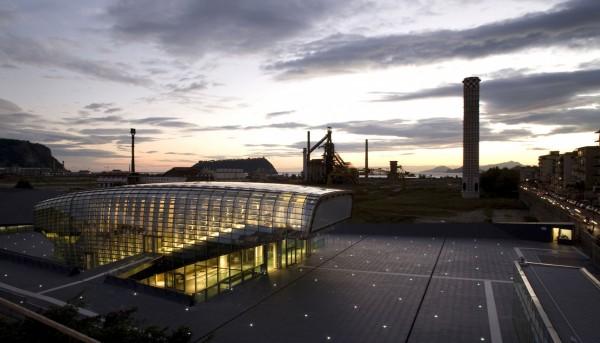 Футуристический культурный центр в Неаполе производит 265 000 кВт⋅ч в год
