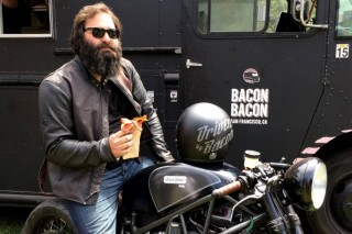 Мотоцикл на сале проехал через всю Америку