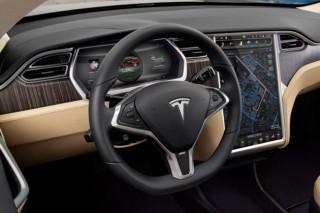 Tesla Model S можно будет завести с iPhone