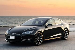 Tesla продлила в два раза гарантийный срок на Tesla Model S