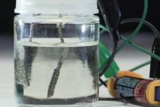 Водородное топливо для автомобилей будут производить пальчиковые батарейки
