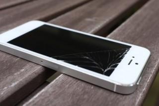В Apple придумали идеальную защиту для экранов iPhone при падении