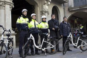 В испанской Жироне полицейских пересаживают на электровелосипеды