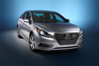 Hyundai показала в Детройте два гибрида Sonata