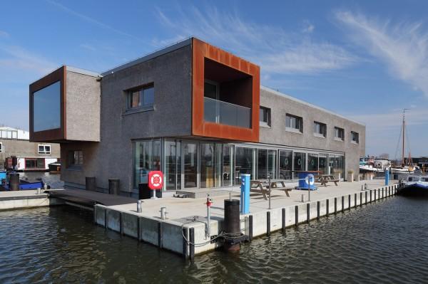 Энергоэффективный плавающий офис