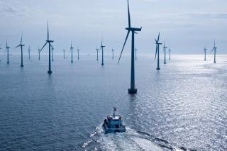 Энергия ветра, генерирующая электроток на удаленных от берега ветряных станциях Дании