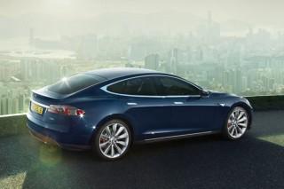 Tesla Model S: теперь с двумя двигателями и аккумулятором на 70 кВт.ч