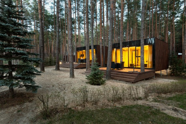 Гостевые домики для туристов в полтавском лесу