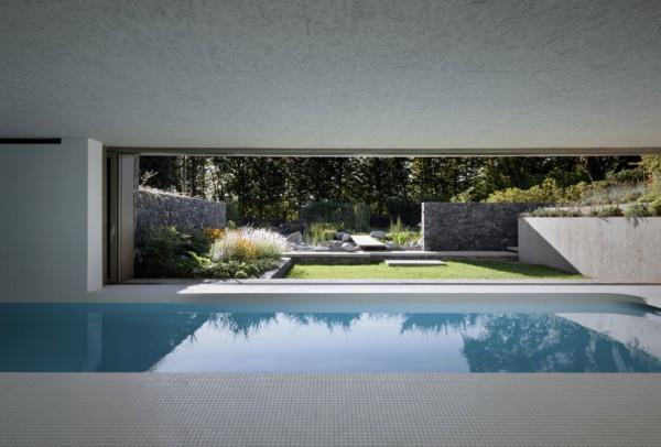 """""""Зеленый"""" бассейн для загородной виллы"""