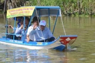 Вьетнамцы сконструировали лодку на солнечных батареях