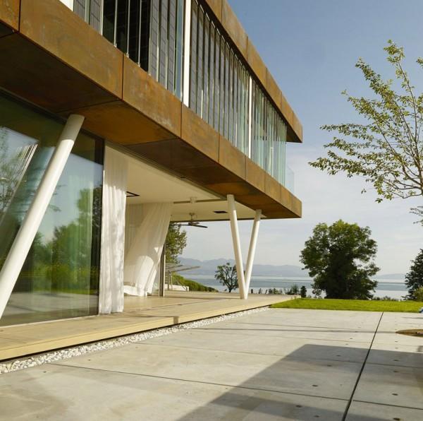 Эковилла на берегу Женевского озера
