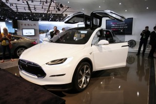 Новая Tesla Model X обойдется покупателю в 132 тысячи долларов